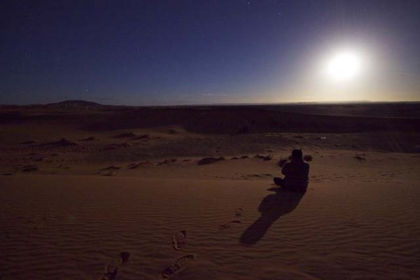 sahara moonrise