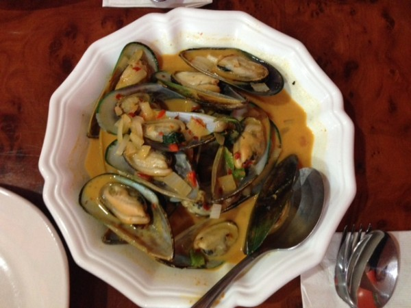 where to eat in south philly red curry mussels